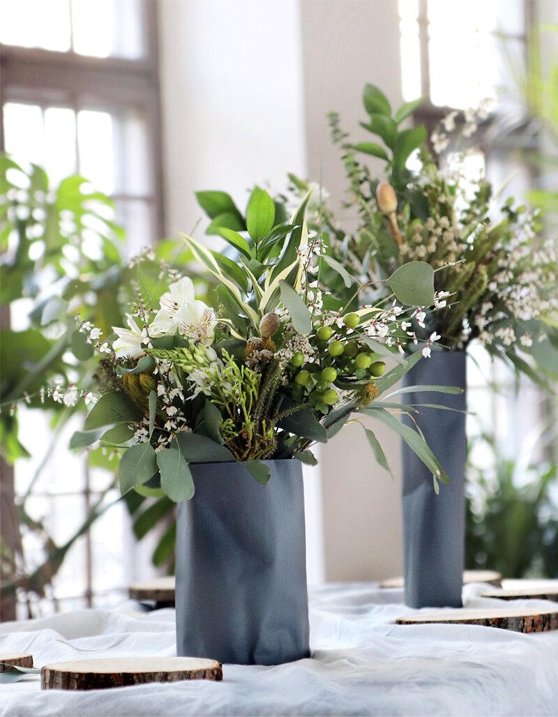 wazon pogięty wysoki czarny